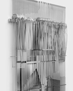 1974 (the weavers machines), 2016, high polished and handwoven stainless steel. (détail)