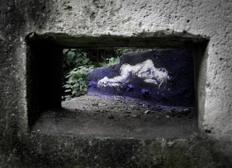 La fille du lavoir, env. 1,50m, pochoir et acrylique