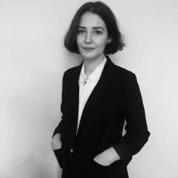 Camille Bardin, Responsable des publications, Jeune Critique d'Art. Linkedin : https://lc.cx/GcJV, Instagram : https://lc.cx/Gc3Z.