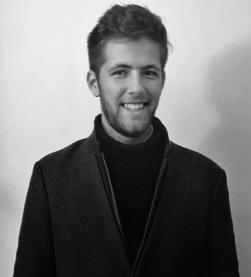 Grégoire Prangé, Co-Président, Co-responsable développement et partenariats, Jeune Critique d'Art. Articles : http://urlz.fr/5XGN, Instagram : https://lc.cx/ptct, Linkedin : https://lc.cx/ptc3.