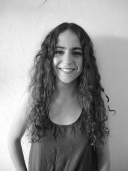 Horya Makhlouf, Co-Présidente, Jeune Critique d'Art. Articles : https://lc.cx/GJ9P, Linkedin : https://lc.cx/GJ9d.