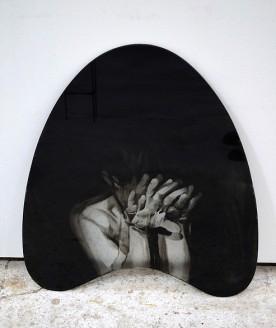 Sans-titre, 2017, Verre gravé et encré, métal, 50x50cm