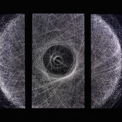 """Quadrature """"Orbits Triptychon"""", 2017 Installation vidéo sur trois écrans durée : 16 minutes crédits : Galerie Liusa Wang"""